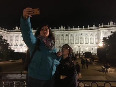 Йо и Верето си правят selfie на фона на... Мадрид?