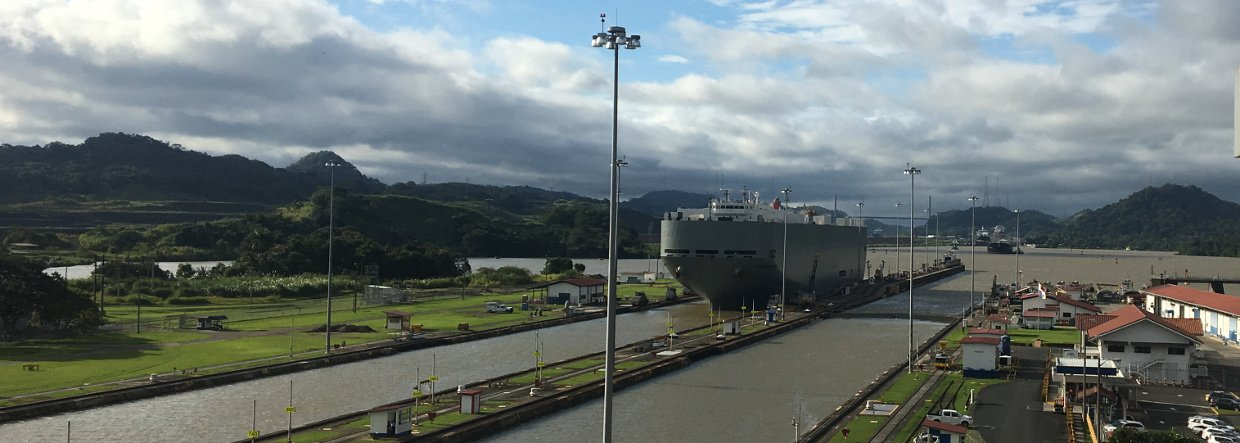 Ship entering Miraflores locks